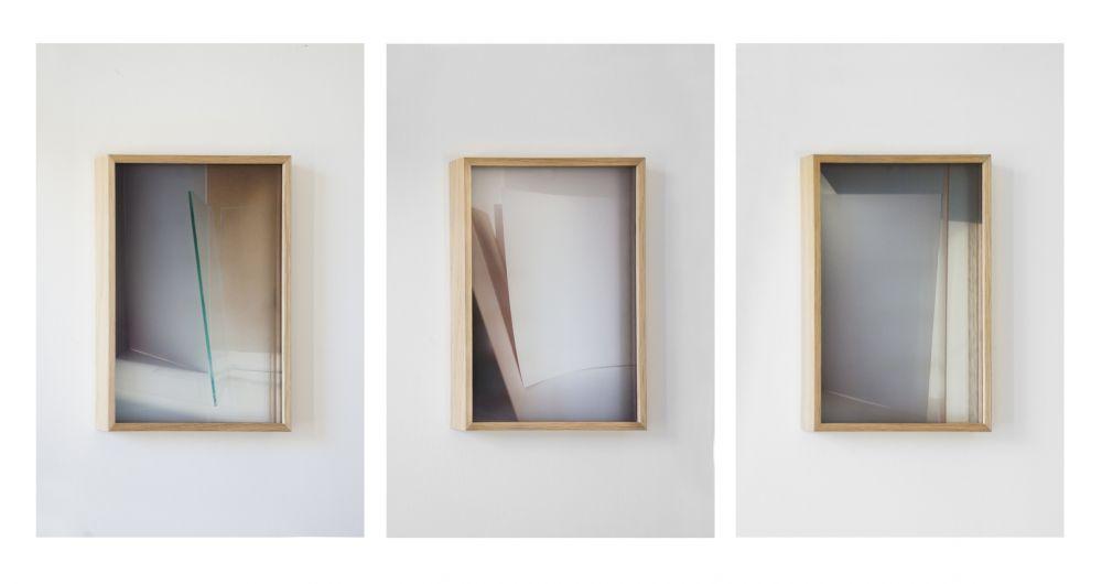 Aurélie Pétrel, Variation #4, 6, 5 (de la série Variation), 2011, photographie, impression sur verre, 26 x 19,8 cm. Collection Frac Languedoc-Roussillon. © Adagp, Paris 2016