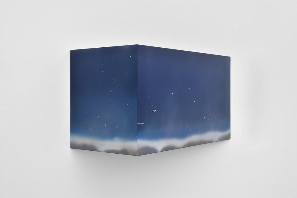 Julien Tiberi, Sans titre, 2014, acrylique sur bois, 34 x 60 x 30 cm. Collection Frac Occitanie Montpellier. Photo Aurélien Mole